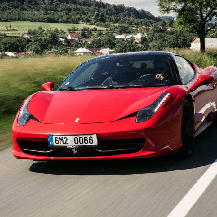 Svět-radovánek-Ferrari-Italia