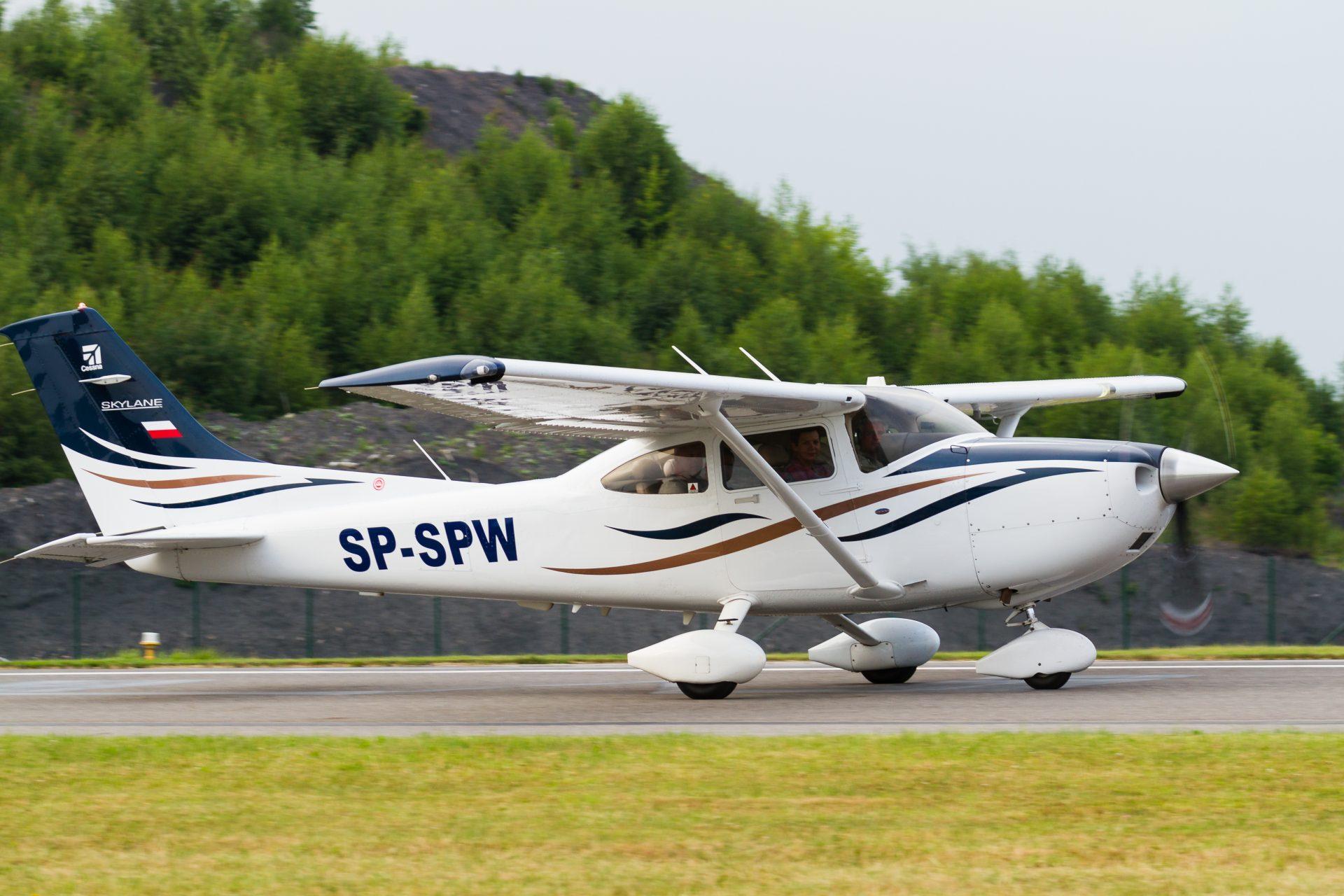 Pilotem na zkoušku z letiště Plzeň pro 3 osoby - Svět Radovánek 13aa005ff1