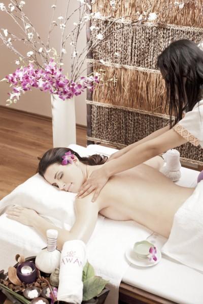118_3_thajska-olejova-masaz-aroma-oil-jedna-z-nejoblibenejsich-masazi