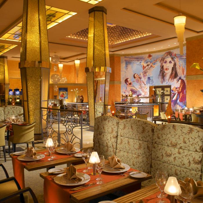 Restaurant2 (2)
