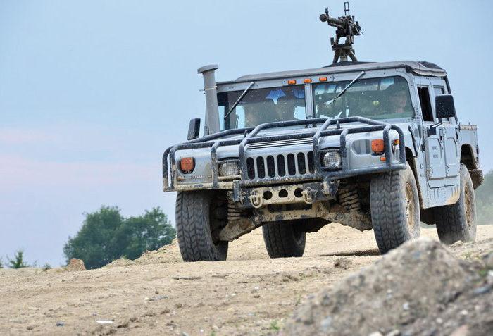 svet-radovanek-firma-na-zazitky-Hummer H1